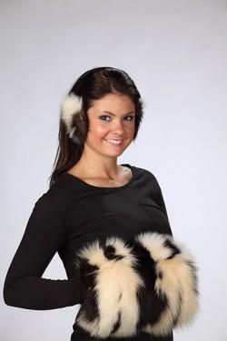 Premium Skunk Fur Muff